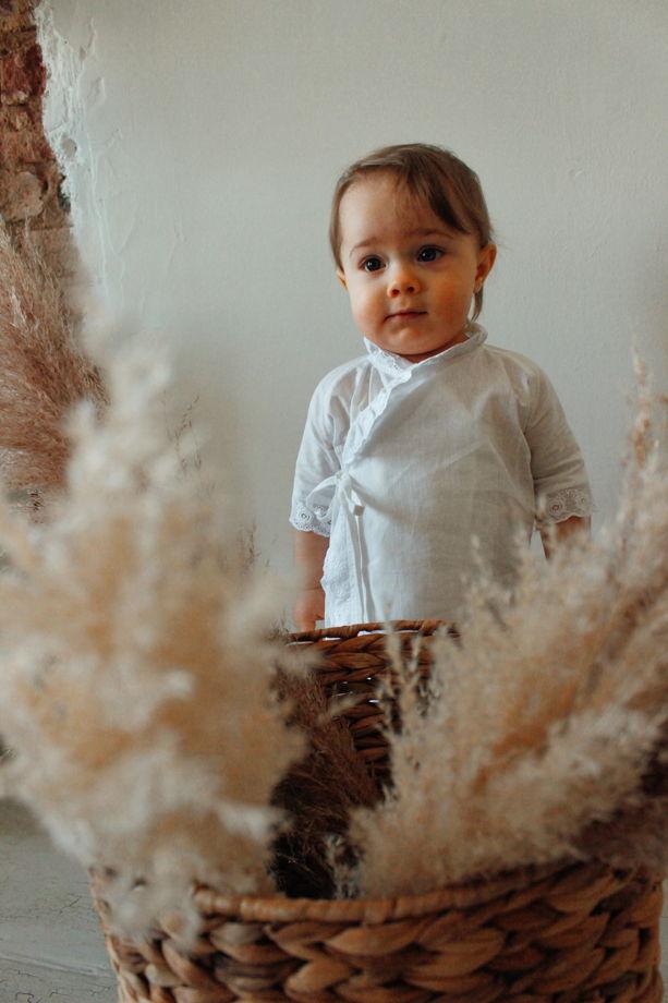 Крестильная распашонка из хлопка с хлопковым шитьём