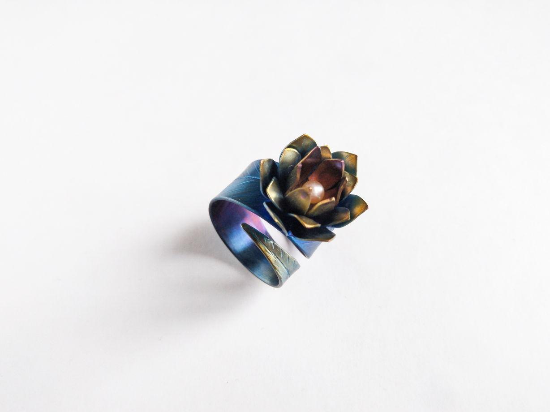 """Перстень """"Весенний"""" из коллекции """"TitaniumFlower"""""""