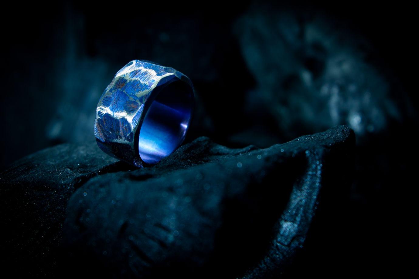 Титановое кольцо ручной работы