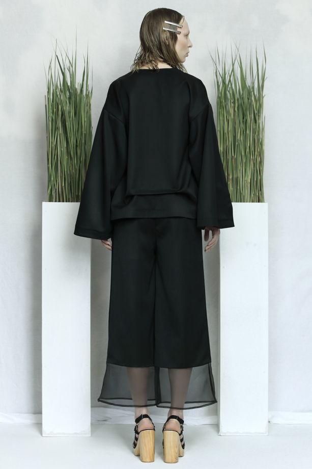 Чёрные кюлоты из 100% шерсти с прозрачными вставками из шелковой органзы