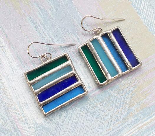 Серьги витражные квадратные синие, черно-белые, цветные Полосатые из стекла