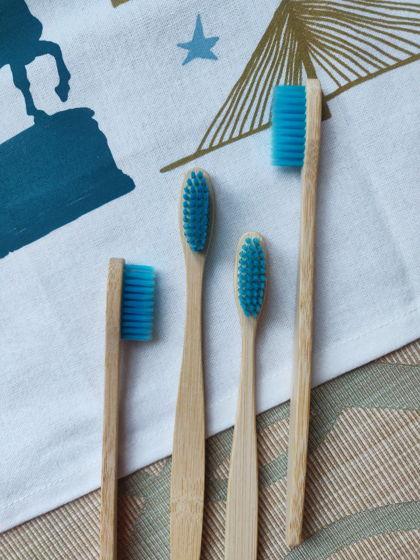 Бамбуковая зубная щётка (голубая)