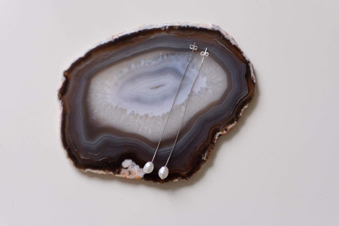 Серьги из серебра и речного жемчуга