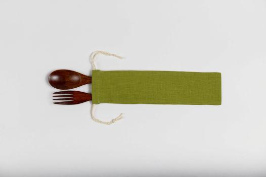 Чехольчик с приборами из зеленого льна