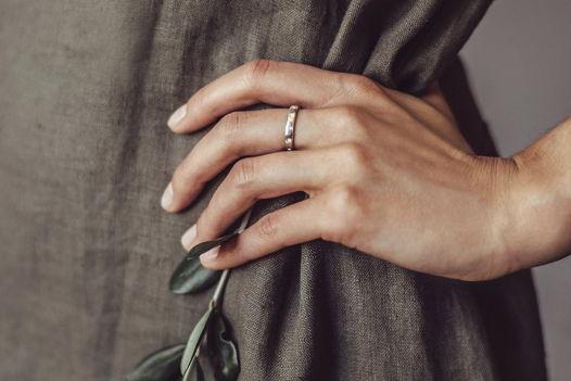 Детское кольцо из серебра с надписью на латыни