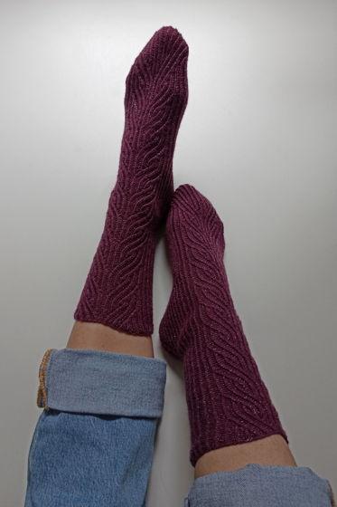 Винные носки ручной работы