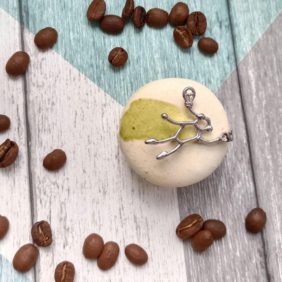 Авторский серебряный кулон супер-кофеин