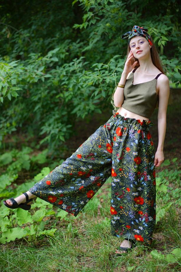 Юбка-брюки с цветочным орнаментом