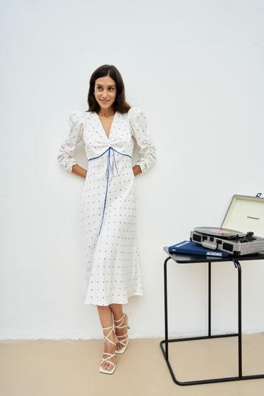 Платье миди с разрезом по спинке