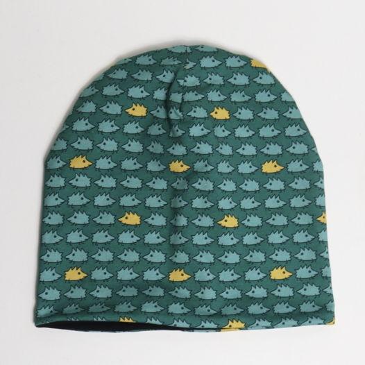 """Трикотажная шапка Fishcard с теплым слоем из футера с начесом и авторским дизайном """"Зеленые ежики"""""""