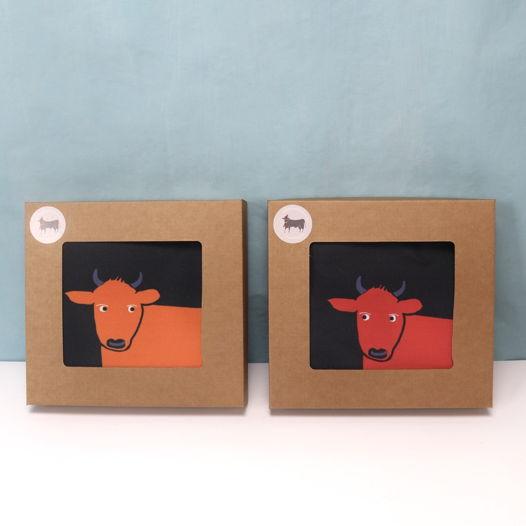 Новогодняя сумка с быком. Черный шоппер с яркими испанскими быками.