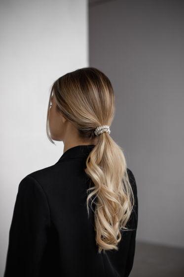 Резинка для волос MINI из натурального шелка бежевая