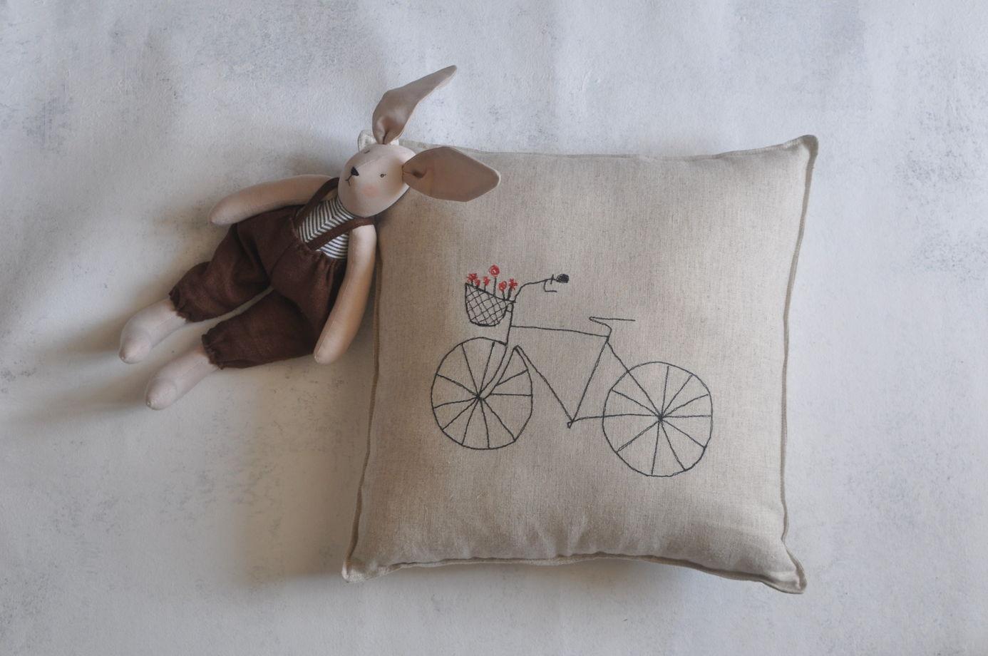 Подушка декоративная велосипед