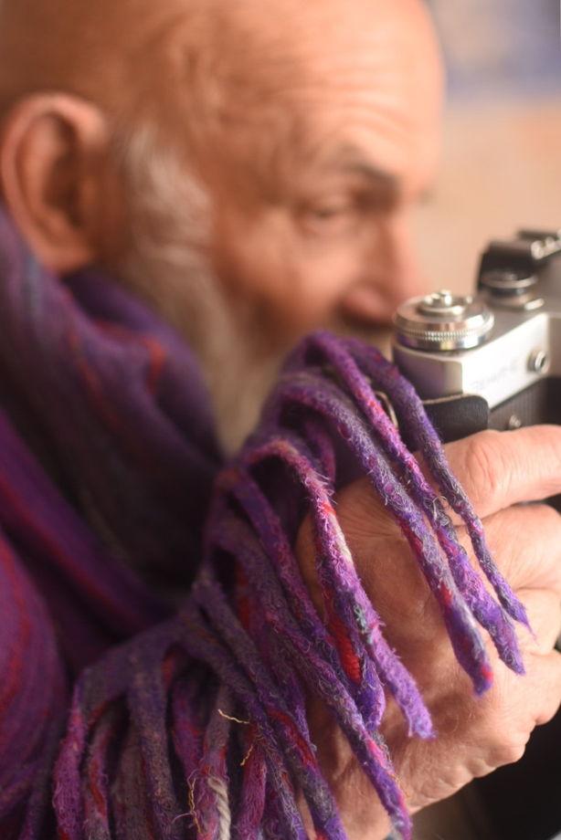 Фиолетовый шарф с кистями из шерсти и хлопка