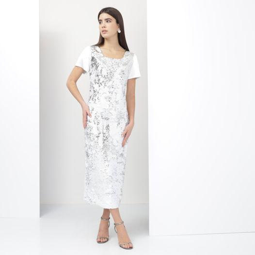 Белое платье с серебряными пайетками