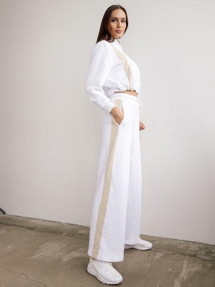 Женский белый спортивный костюм спортшик