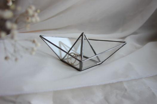 Подставка для обручальных колец витражный кораблик в технике Тиффани