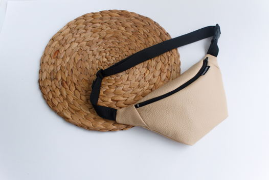 Поясная сумка бежевая/бананка/сумка на пояс.