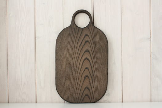"""Большая деревянная разделочная доска """"Галька XL"""". Цвет """"уголь"""""""