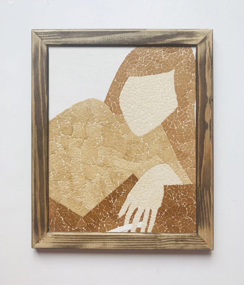 """Картина 19*24 см """"Девушка с сигаретой»  ручной работы из яичной скорлупы натуральных оттенков"""