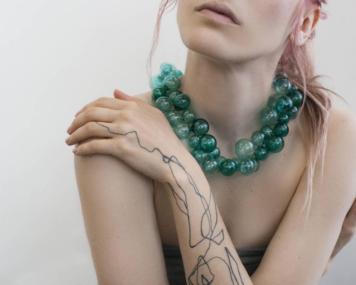 """Ожерелье из стеклянных сфер """"Аквамарин"""""""