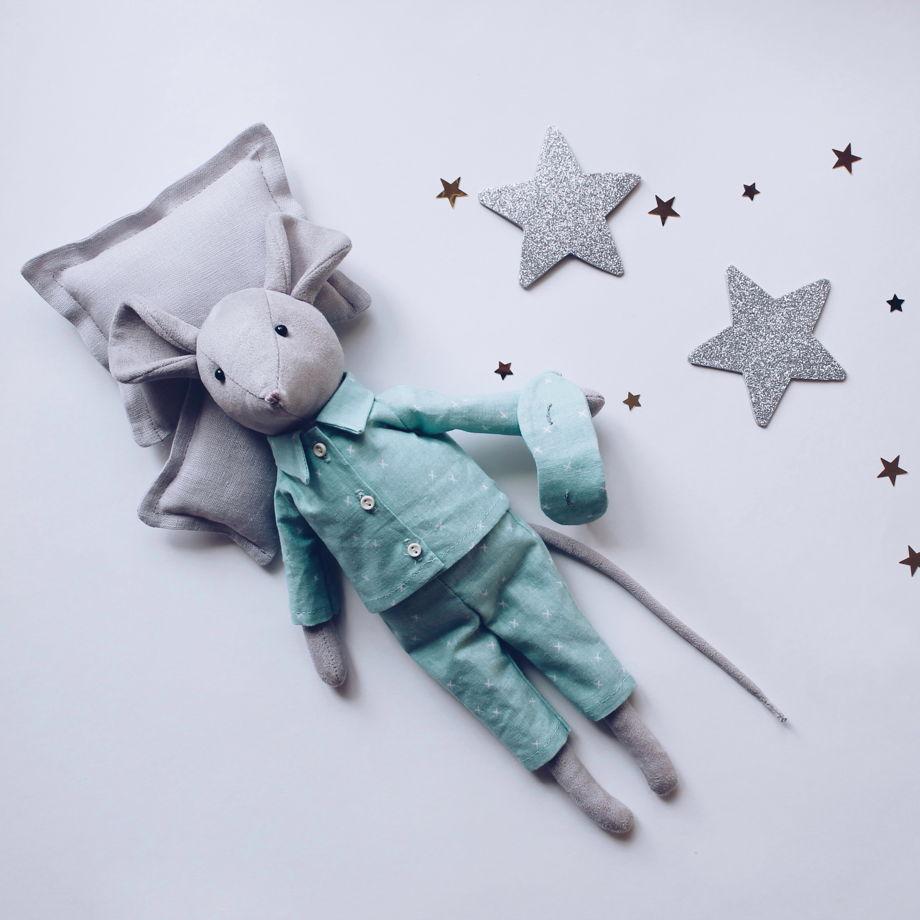 Мышонок Лапи в мятной пижамке
