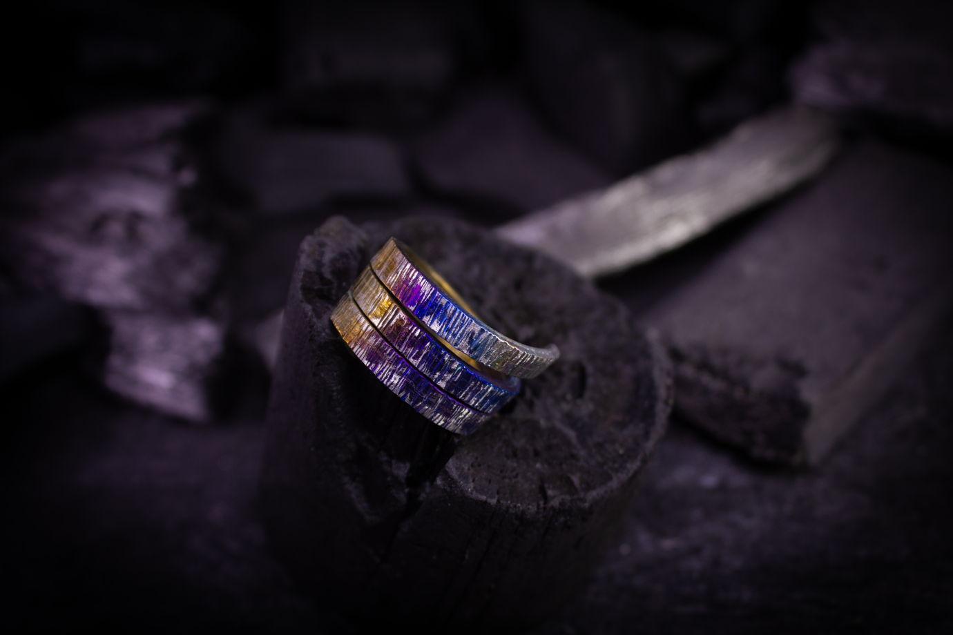 """Титановое кольцо """"Язык оттенков"""""""