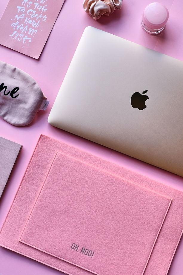 Чехол из фетра для MacBook и ноутбуков, розовый, горизонтальный