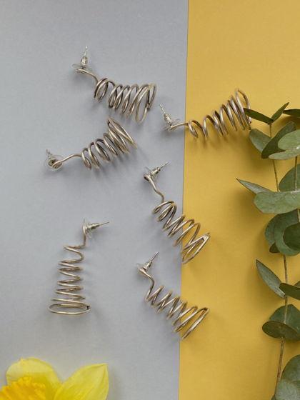 Серьги в стиле минимализма