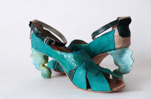 """Зеленые туфли с динамическими каблуками """"морской конек"""" и вставками из кожи крокодила. Размер 41.5"""