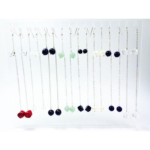 Длинные серьги с камнями и жемчугом на серебряной цепочке