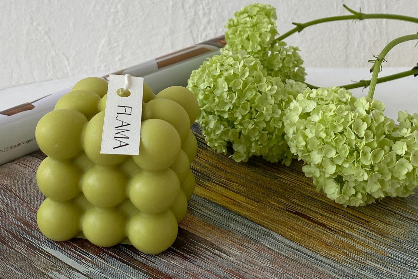 Свеча соевая оливковая в форме куба (бабл) для интерьера, подарка и декора дома ручной работы Flama