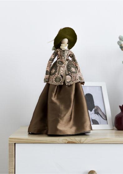 Интерьерная кукла для декора «Адель»