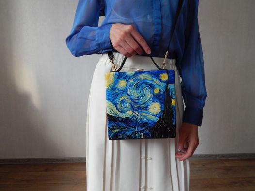 """Женская сумка-кроссбоди из дерева с ручной росписью """"Звездная ночь. Ван Гог"""", синяя"""