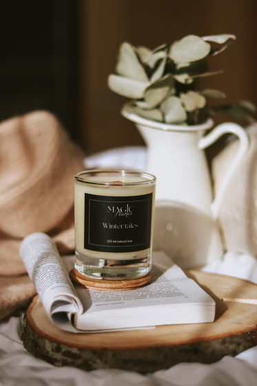 """Ароматическая кокосовая свеча """"Winter tales"""" с древесным фитилем ручной работы"""