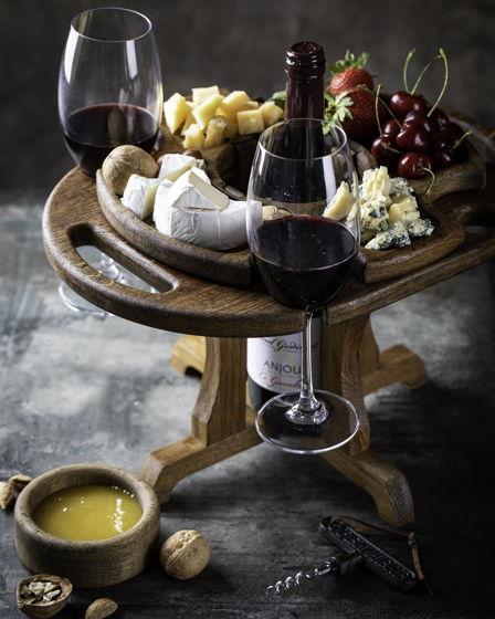 """Винный столик на четыре бокала, местом для бутылки и менажницей. Цвет """"темный орех"""""""