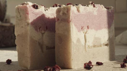 Натуральное мыло с нуля с клюквой и глиной