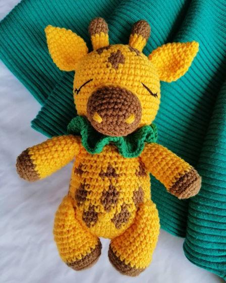 """Вязаная крючком игрушка """"Жирафик КОКО"""" для малышей"""