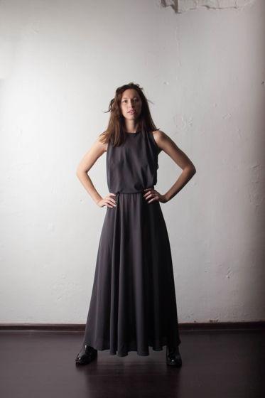 Легкое женское платье из серого шифона SKAT