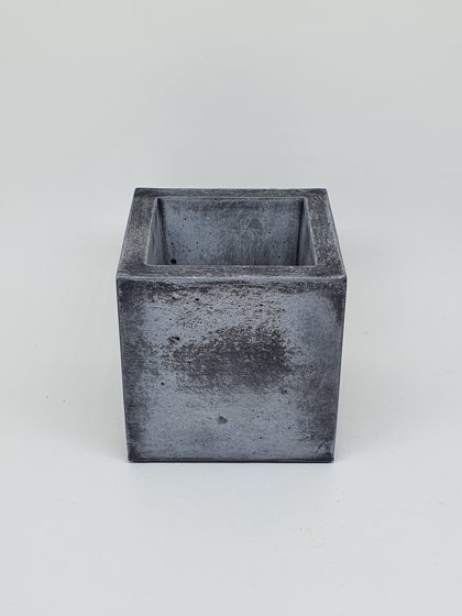 Кашпо из бетона пепельный куб
