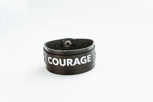 """Кожаный браслет """"COURAGE"""""""