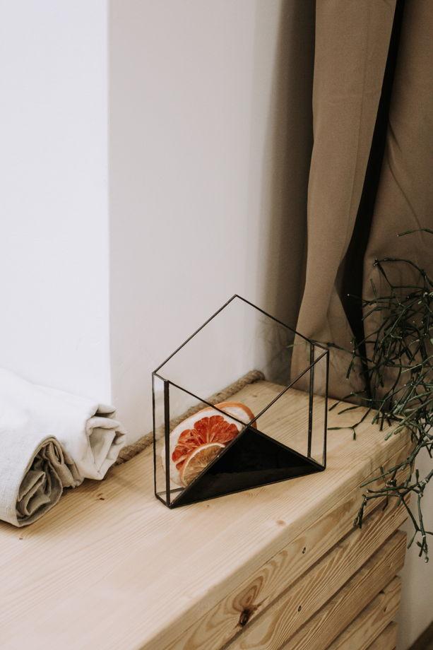 Лаконичный стеклянный конверт для хранения