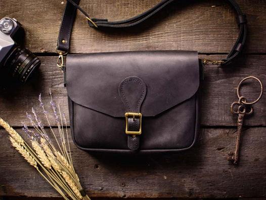 Женская кожаная сумка-кроссбоди -LILY- цвет Черный Уголь