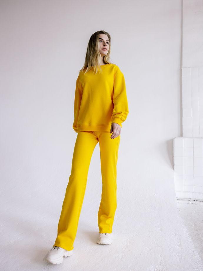 Женский костюм: свитшот, брюки