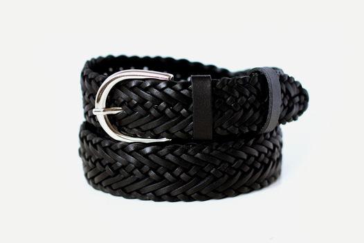 Кожаный плетеный ремень черный