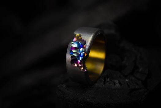 Титанове кольцо ручной работы