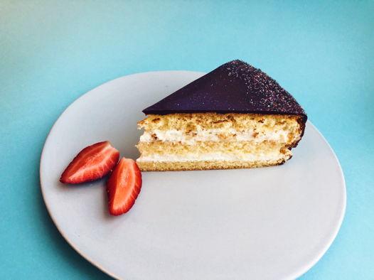 Нежный торт Чародейка
