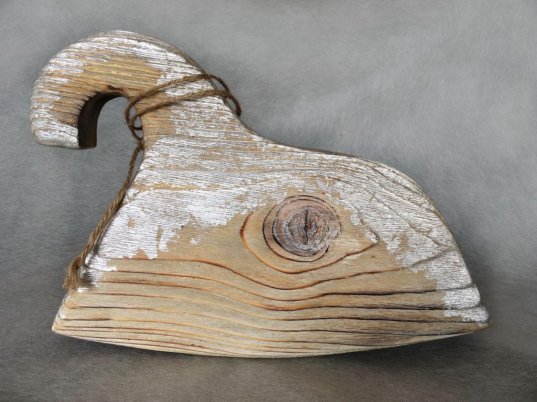 Декоративный серебристый коник-качалка