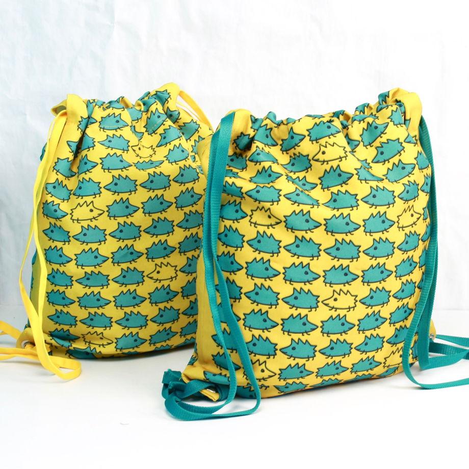 """Летний рюкзак для прогулок Fishcard с картинкой на счастье """"Ежики"""""""