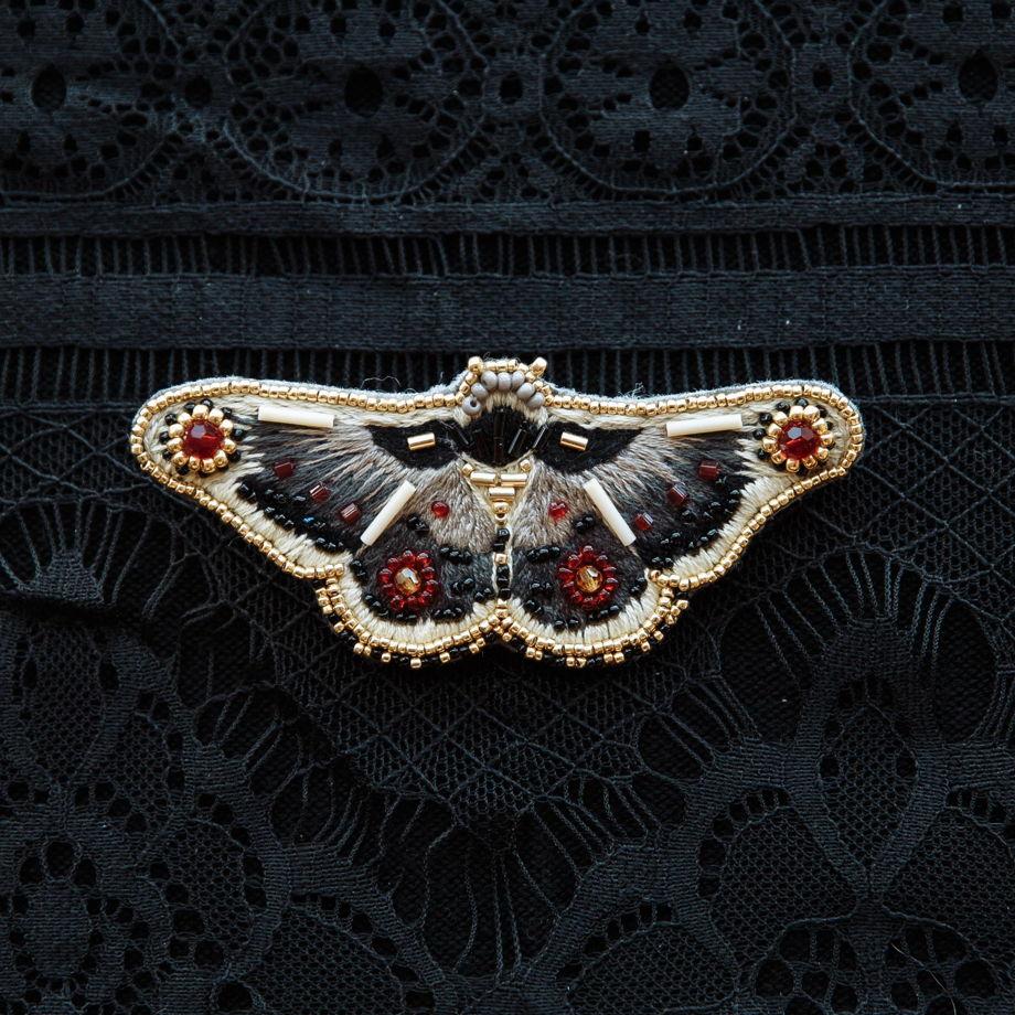 Брошь бабочка «Павлиноглазка»